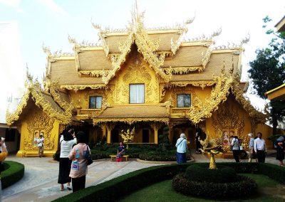 goldene-toilette-chiangrai